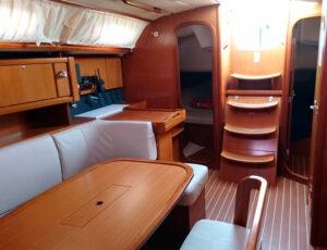 salon velero Dufour 385